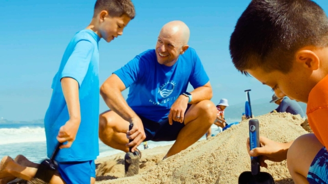 """Want to have more fun at the beach this summer?  Check out the awesome new eco-friendly sand castle tools that just launched on @kickstarter from our friends at @pufferfish.fun ! And did you see the sweet Golden Goods tee in the pic?!""  #kickstarter #crowdfunding #beach #beachlife #sandcastle #sandcastles #familyfun #ecofriendly #pufferfishfun"